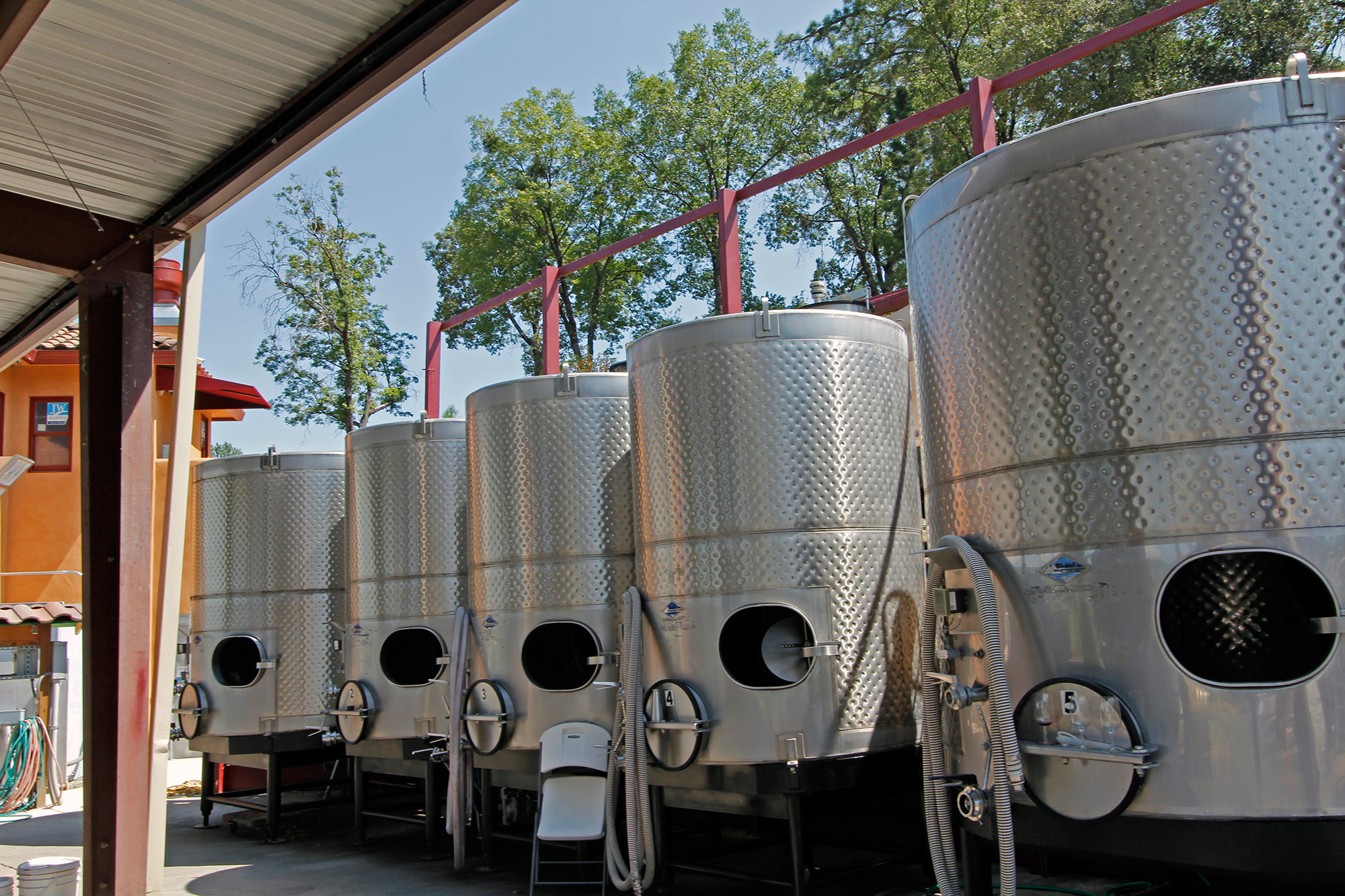 Stainless Steel Wine Tanks