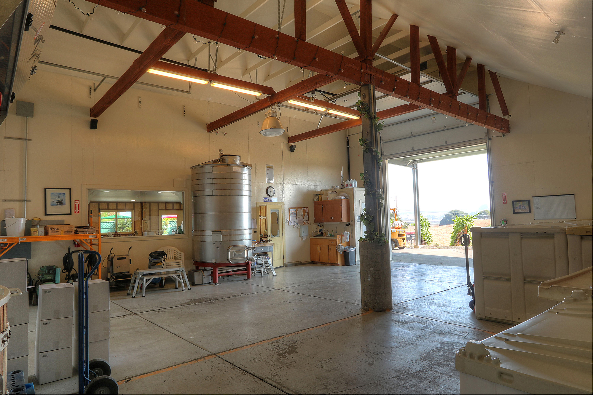Sonoma Coast AVA Winery, Tasting Room and Vineyard