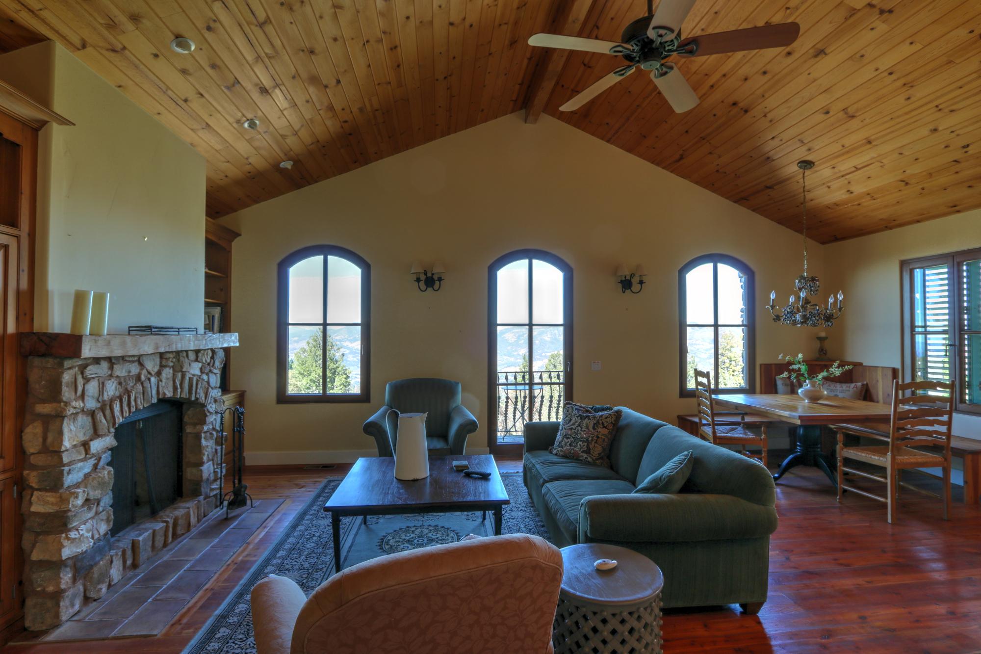 Exquisite Napa Valley Vineyard Estate